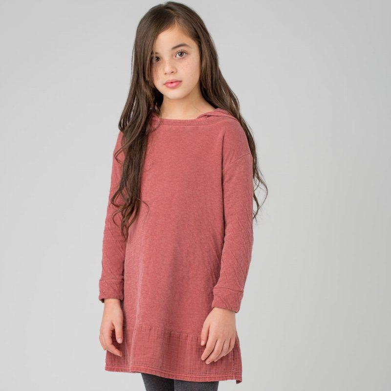 Vestido de color teja con capucha para niñas de 2 a 14 años. Vestido de algodón fabricado en España.