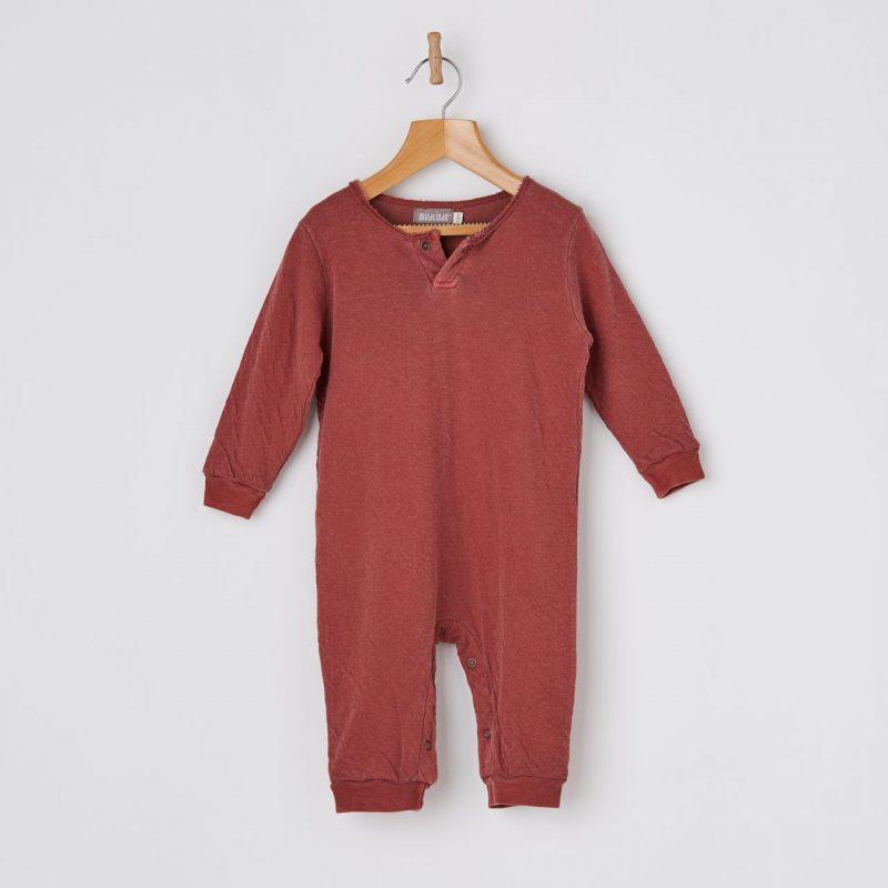 pelele de bebé de 100% algodón color teja.