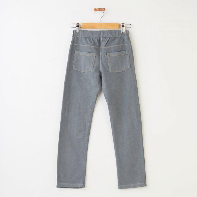 Pantalón efecto jeans cómodo y color azul gris para niñas.