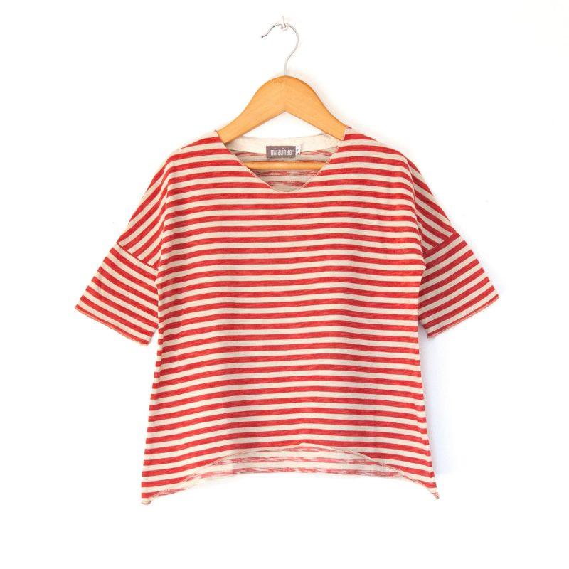 camiseta-a-rayas-rojas-y-blancas-para-niña